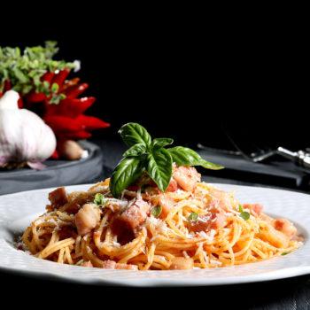 italian-food-background